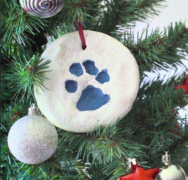 DIY Dog Paw Print Christmas Ornaments